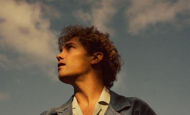 featured image for Fresh Indie Pop from Sweden for Fans of Vance Joy. - Aron Blom: Water