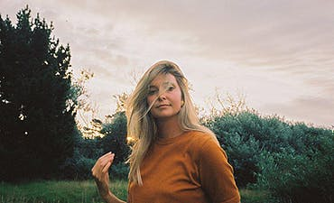 featured image for New Zealand Folk. - Jamie McDell: Extraordinary Girl