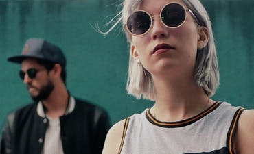 image for Poetic Electro Pop from Brittany. - Lunis: Fleur au pisto (Music Video)