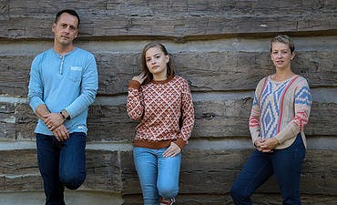 featured image for Heartfelt Americana from Ohio. - Shannon Clark & the Sugar: Carry Me